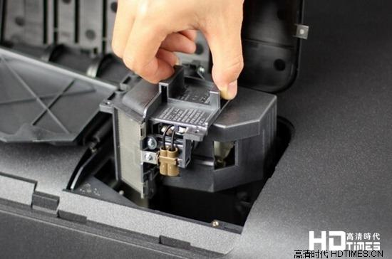 只需三步 索尼VW500ES投影仪灯泡更换图解