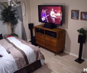 卧室家庭影院效果图 低音炮 5.1一样不能少