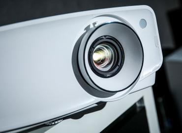 【评测】JVC LX-UH1首部DLP投影机 入门价享受4K画质及JVC调色