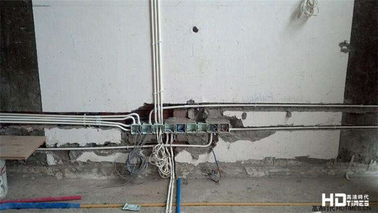 隐形安装 让奢华展露PANEL AUDIO棕榈泉雅居影视厅